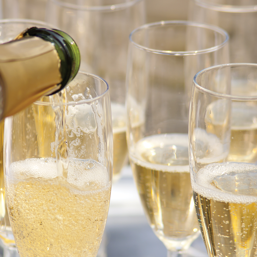 Send Champagne Gifts to Delivery in USA