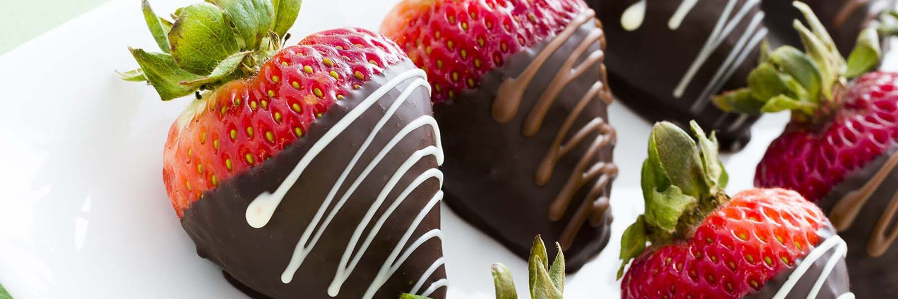 Chocolate Covered Strawberries & Fruit Gifts
